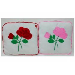 Obrázek Polštář s růžemi plyš 40x40cm asst 2 barvy